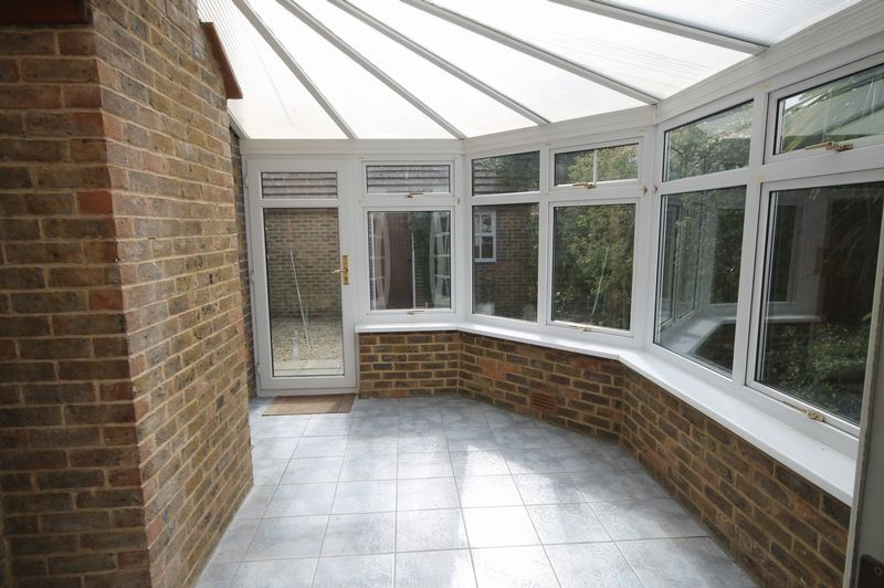 4 bed house to rent in Reedley Road 6