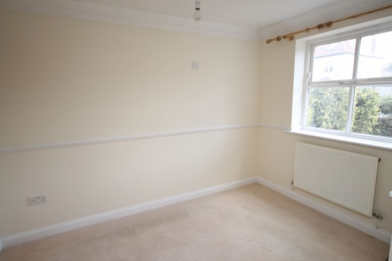 4 bed house to rent in Reedley Road 8