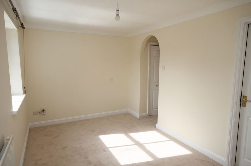 4 bed house to rent in Reedley Road  - Property Image 9