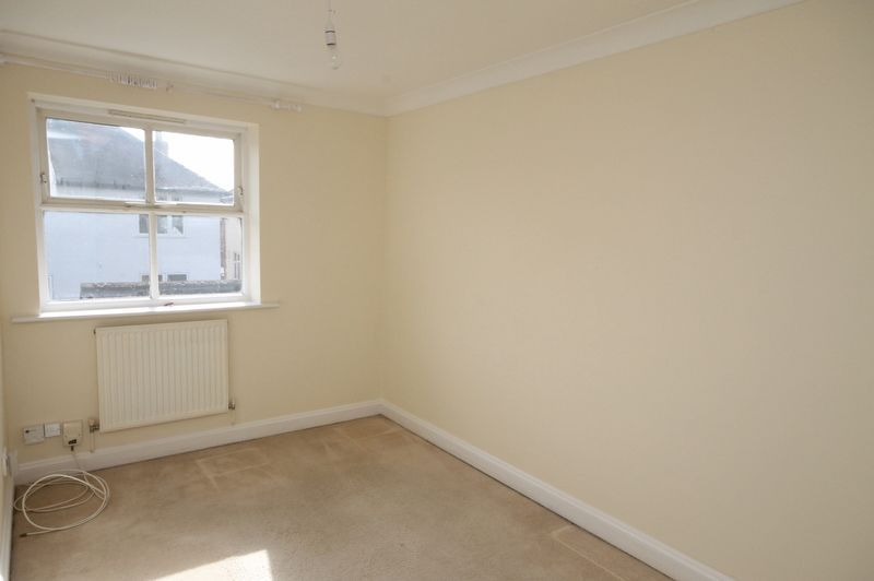 4 bed house to rent in Reedley Road  - Property Image 10