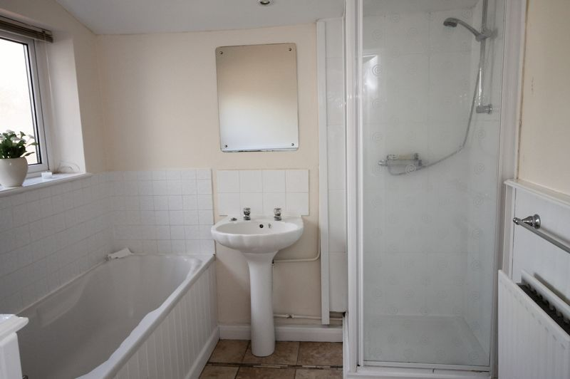 3 bed house for sale in Soundwell Road  - Property Image 7