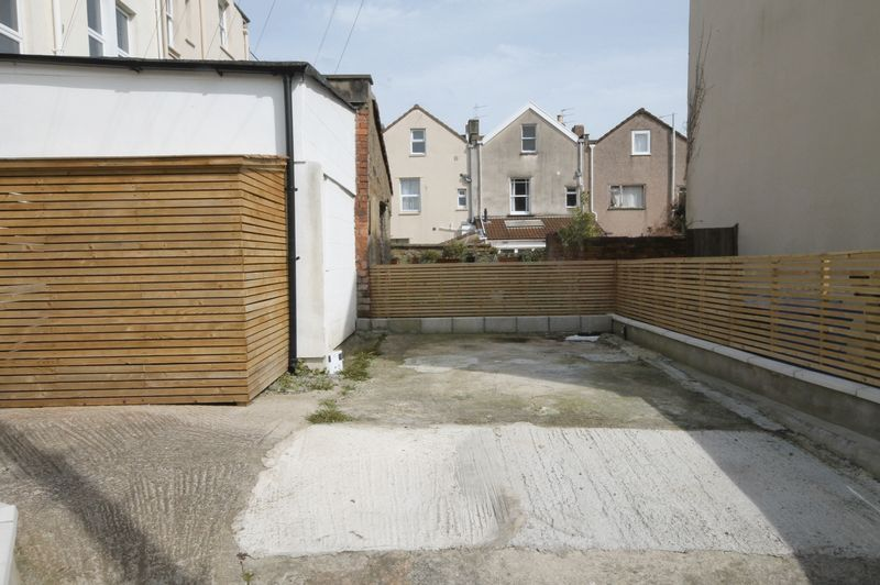 2 bed flat to rent in Chandos Road  - Property Image 9