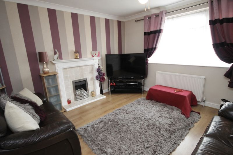 3 bed house for sale in Landseer Avenue  - Property Image 2