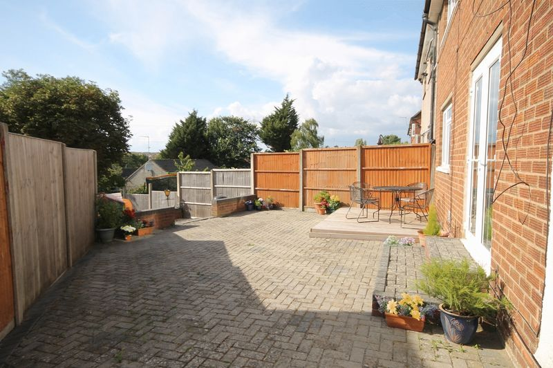3 bed house for sale in Landseer Avenue  - Property Image 10