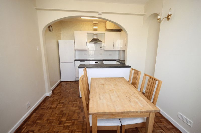 2 bed house to rent in Worrall Road 3