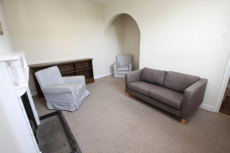 2 bed house to rent in Worrall Road 4