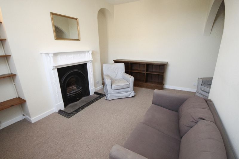2 bed house to rent in Worrall Road 5