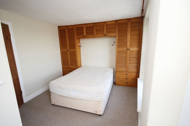 2 bed house to rent in Worrall Road 6