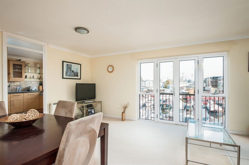 3 bed flat for sale in Portland Court, Cumberland Close, 3