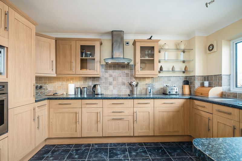 3 bed flat for sale in Portland Court, Cumberland Close, 5