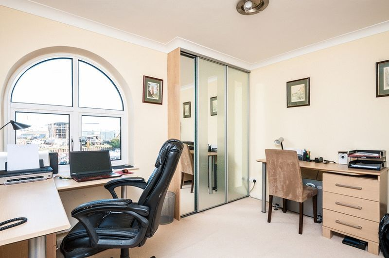 3 bed flat for sale in Portland Court, Cumberland Close, 10