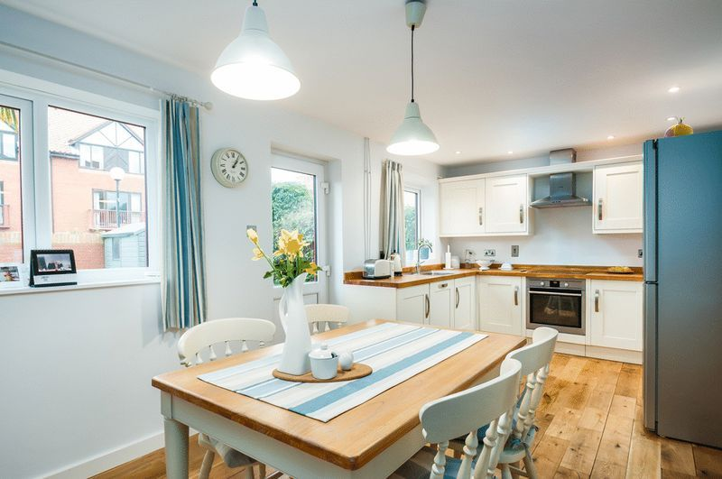 2 bed house for sale in Canada Way 3