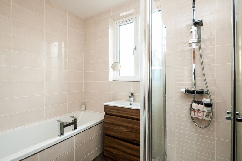 4 bed house for sale in Arbutus Drive  - Property Image 10