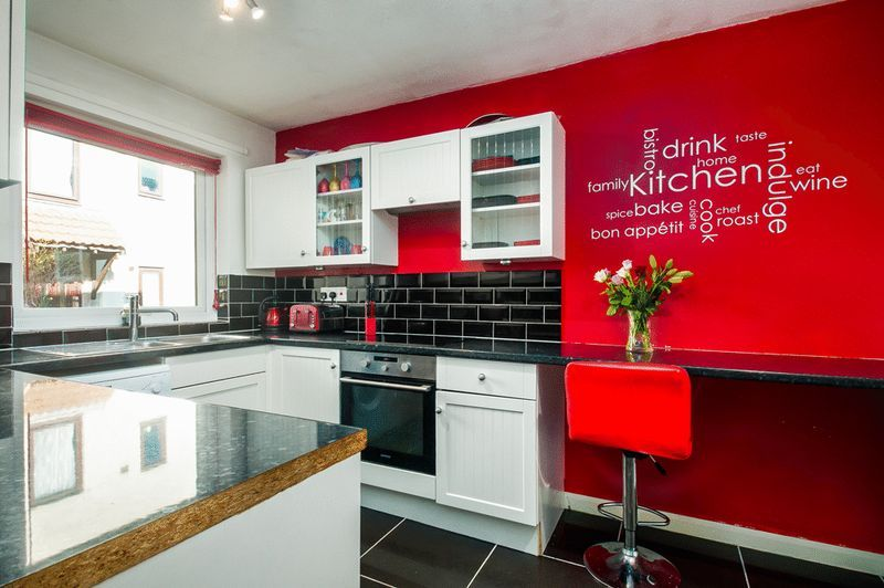 3 bed house for sale in Meg Thatchers Green  - Property Image 6