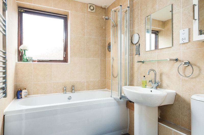 2 bed house for sale in Canada Way 8