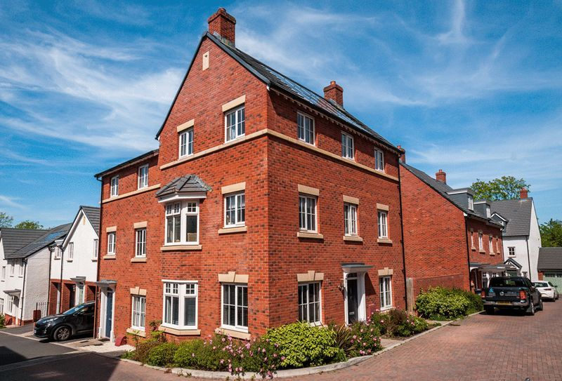 4 bed house for sale in Thornfield Road 14