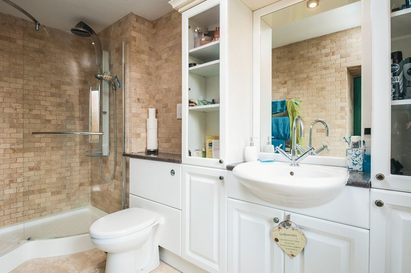 3 bed flat for sale in Cumberland Close  - Property Image 8