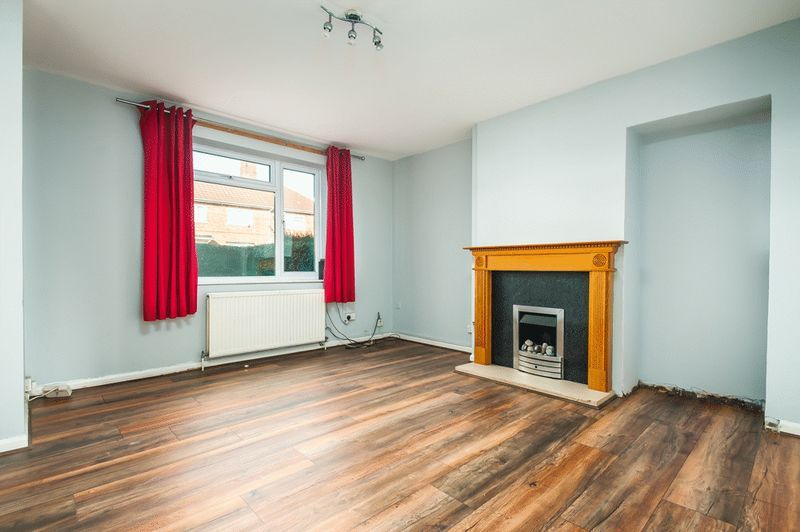 3 bed house for sale in Camborne Road 2