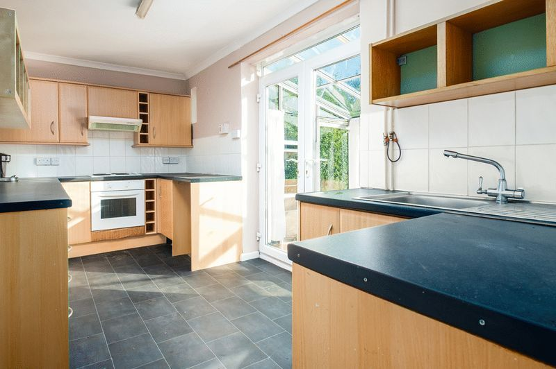 3 bed house for sale in Camborne Road  - Property Image 3