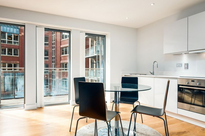 1 bed flat to rent in Redcliff Street 2