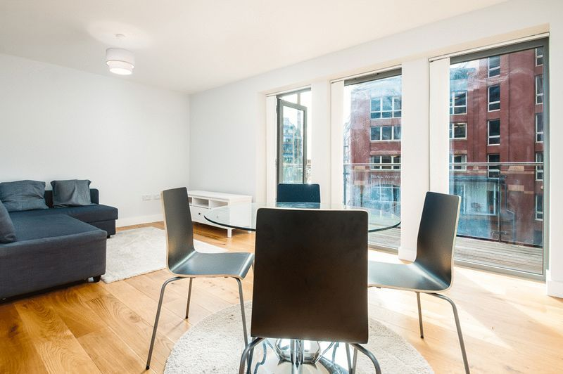 1 bed flat to rent in Redcliff Street 3