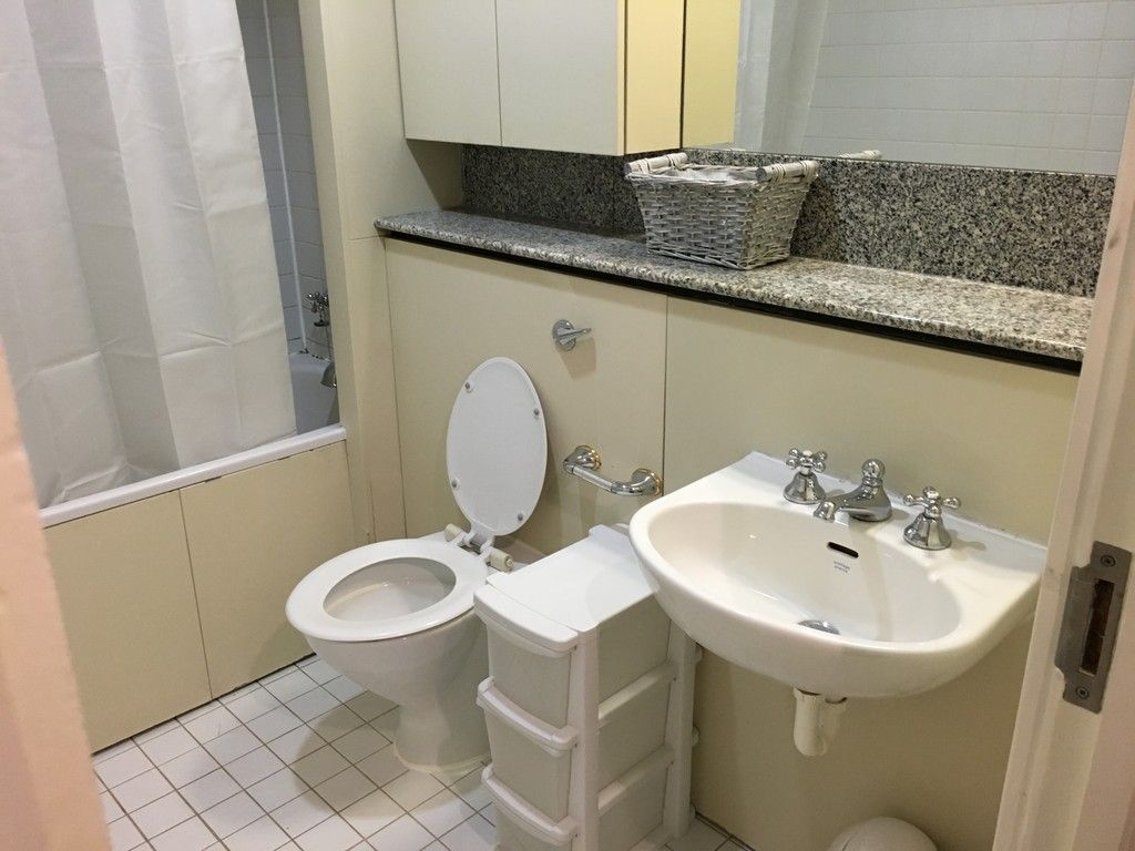 Flat to rent in Cromwell Road, London 6