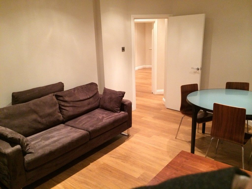 2 bed flat to rent in Queen Alexandra Mansions, WC1H