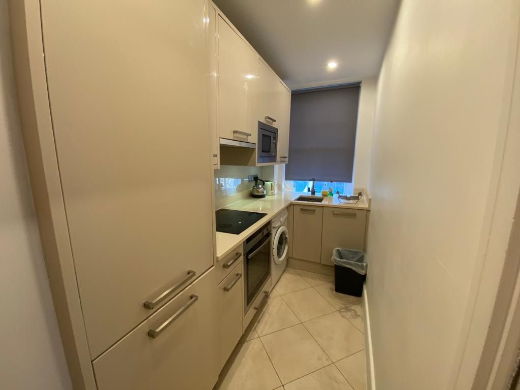 1 bed flat to rent in Forset Court 7