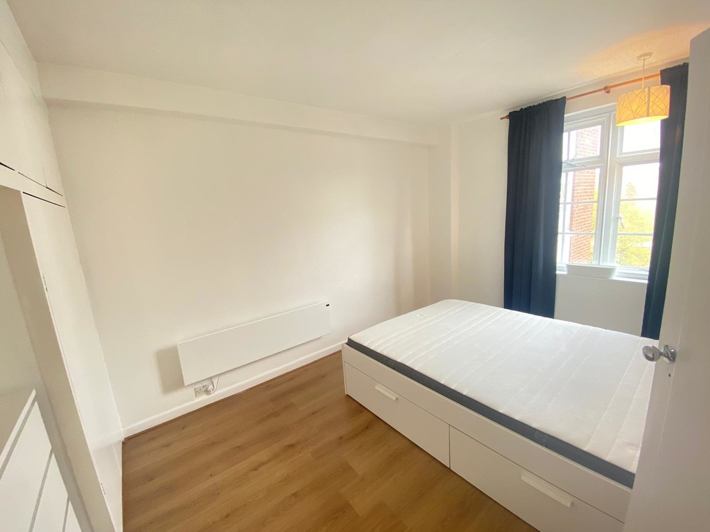 1 bed flat to rent in Langford Court 7