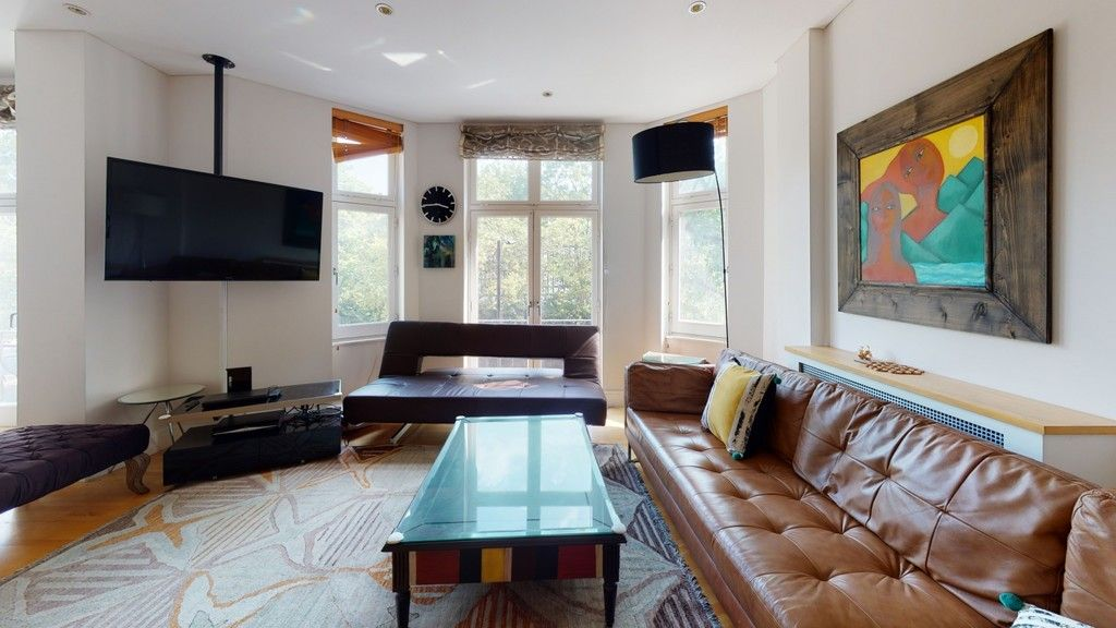 2 bed flat to rent in Clarendon Court, W9