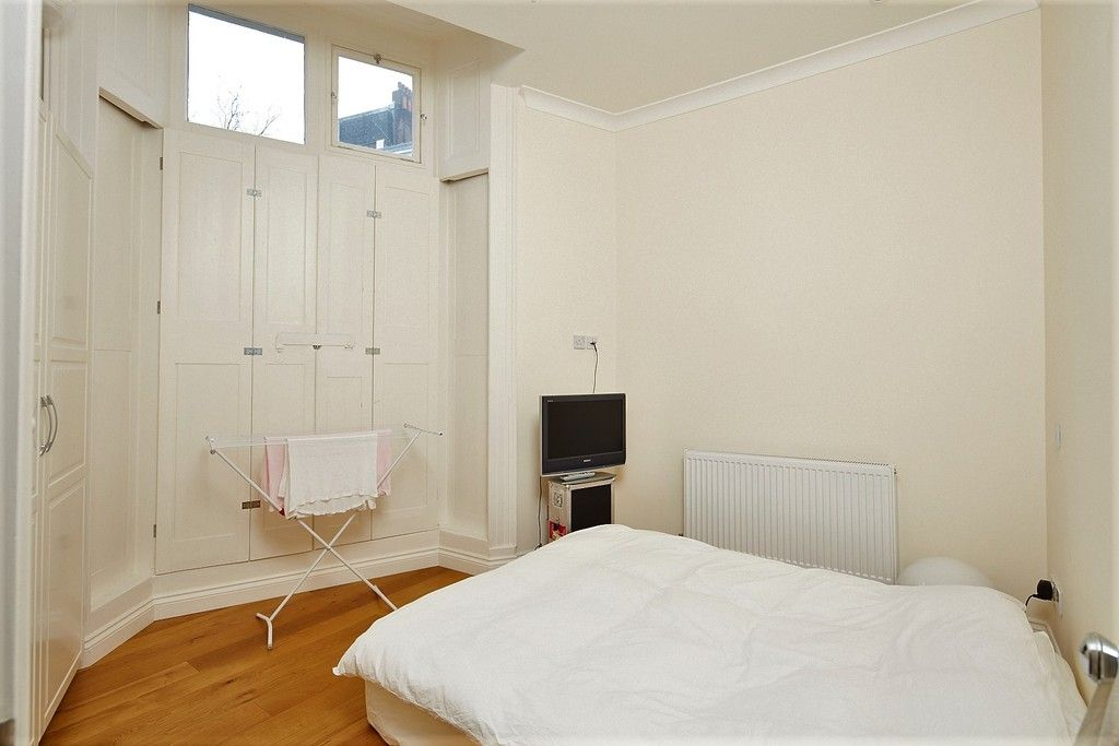 1 bed flat to rent in Sussex Gardens, London 2