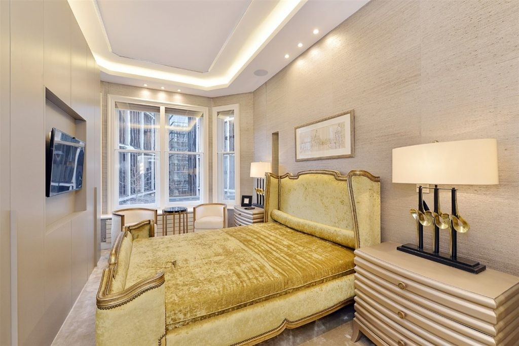 2 bed flat for sale in Park Mansions, 141 Knightsbridge  - Property Image 6