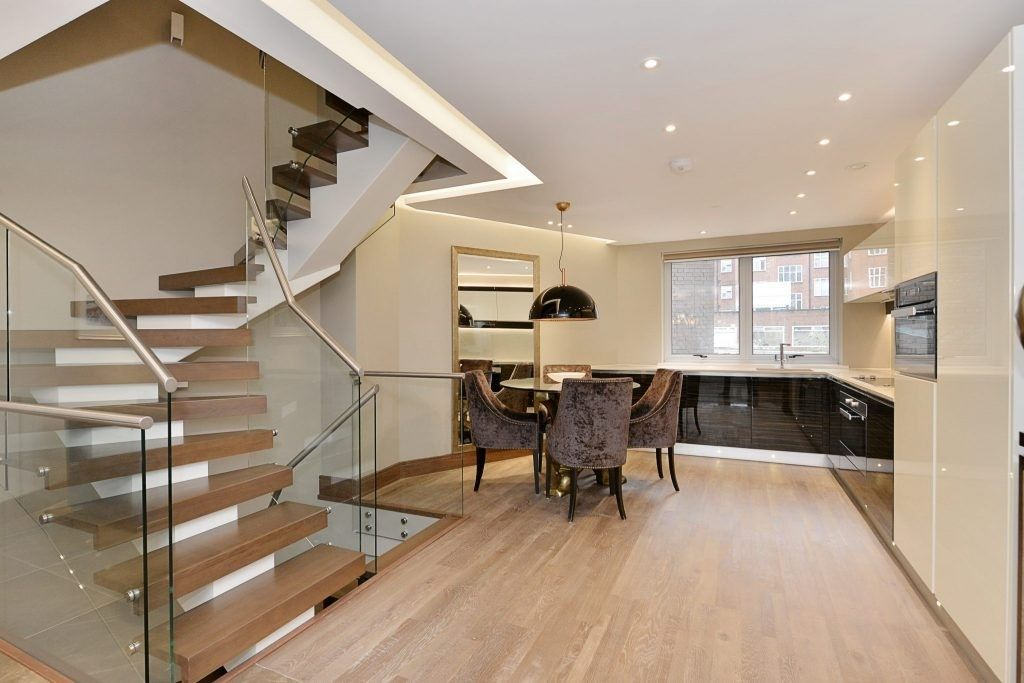 3 bed house for sale in Porchester Place 7