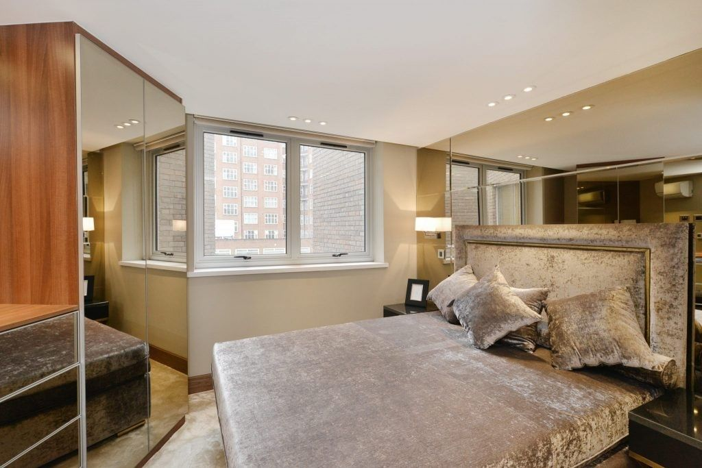 3 bed house for sale in Porchester Place 8