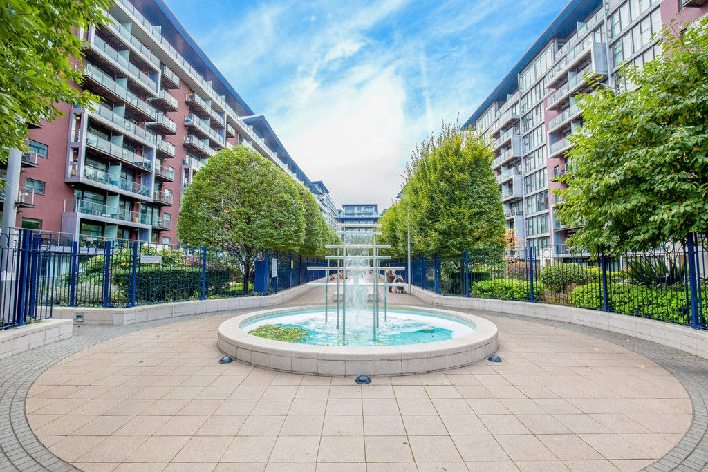 2 bed flat to rent in Chelsea Bridge Wharf, London , SW8