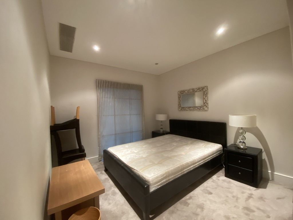 2 bed flat for sale in Clarendon Court  - Property Image 7