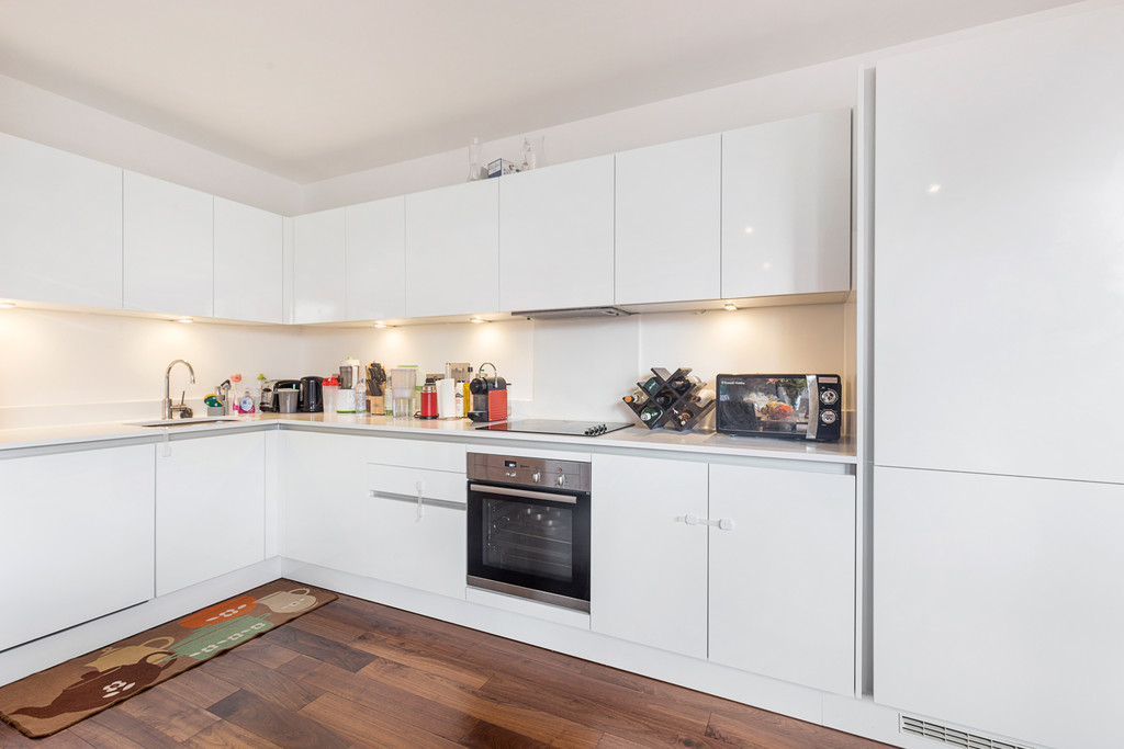 2 bed flat for sale in Maygrove Road, West Hampstead  - Property Image 3