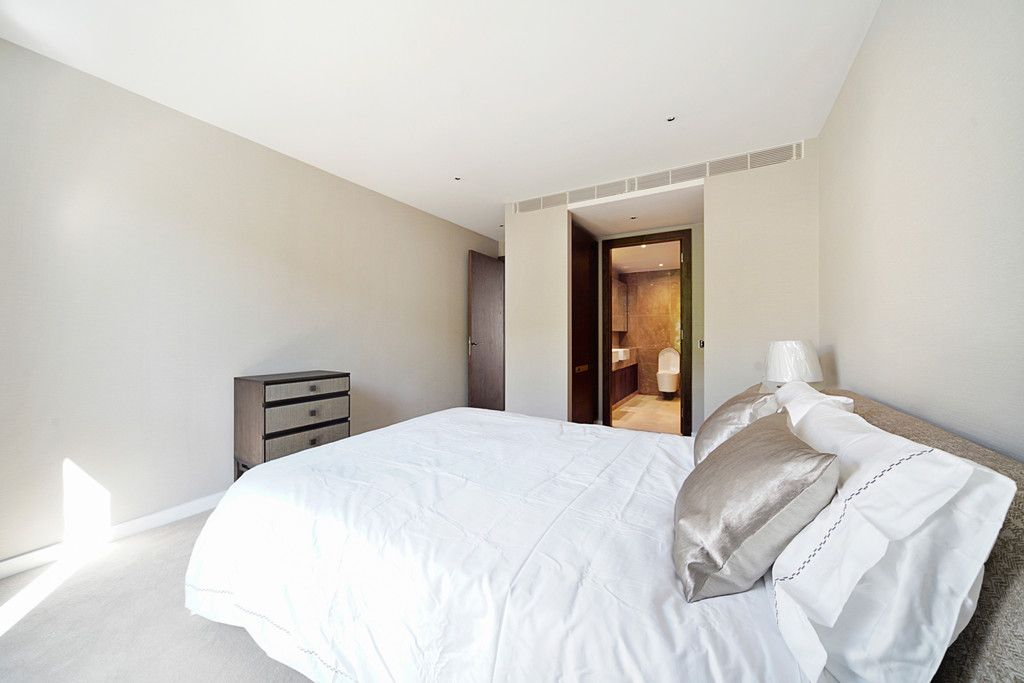 2 bed flat to rent in Chelsea Waterfront, London  - Property Image 12