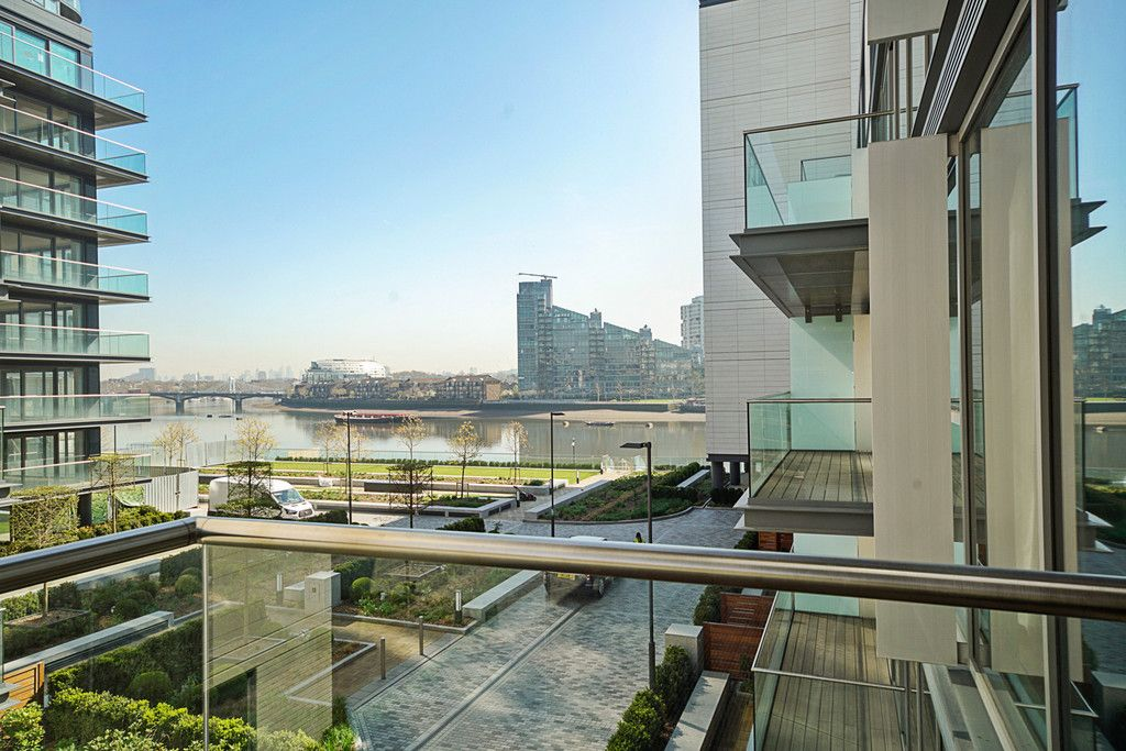 2 bed flat to rent in Chelsea Waterfront, London 16