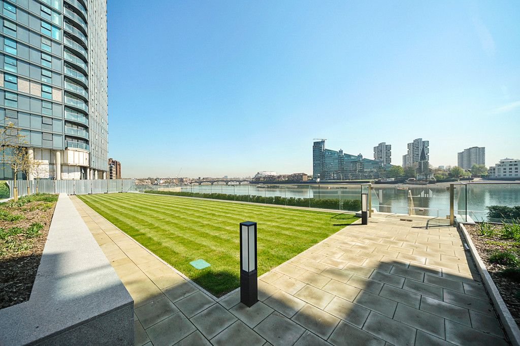 2 bed flat to rent in Chelsea Waterfront, London 18