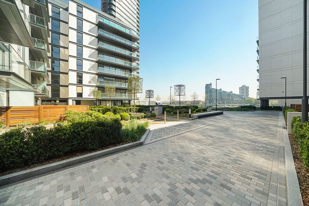 2 bed flat to rent in Chelsea Waterfront, London  - Property Image 21
