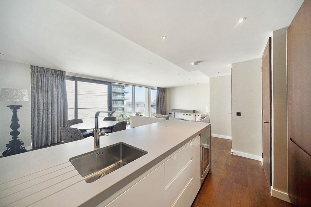 2 bed flat to rent in Chelsea Waterfront, London 8