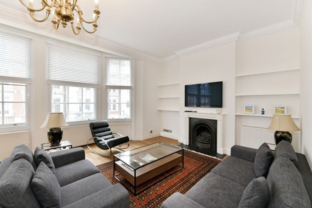 2 bed flat to rent in North Audley Street, W1K