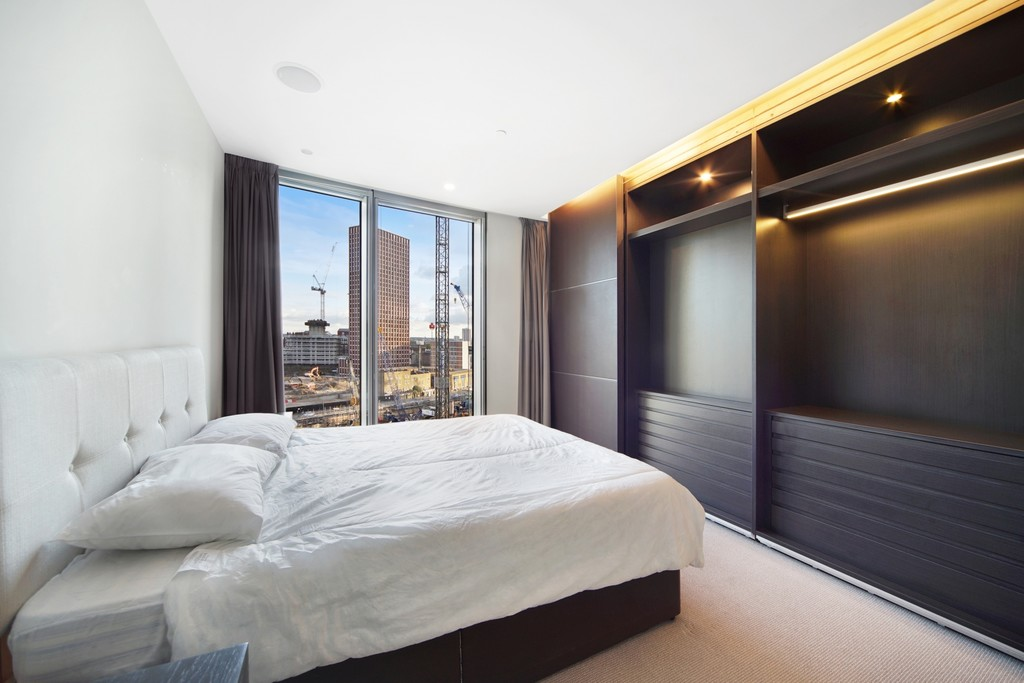 2 bed flat for sale in The Tower, St. George Wharf, London  - Property Image 5