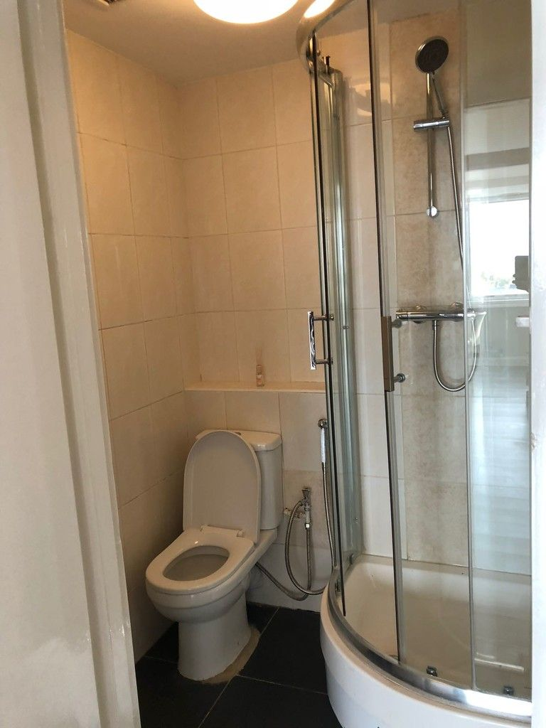 2 bed flat to rent in Porchester Place, London 8