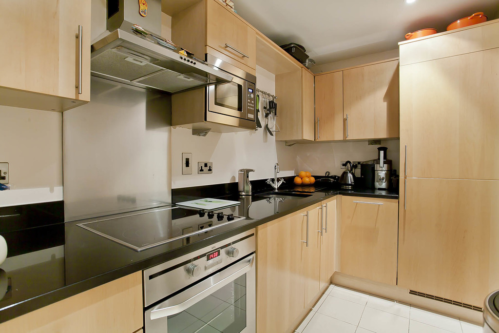 3 bed flat for sale in Cavendish House, Monck Street, London 3