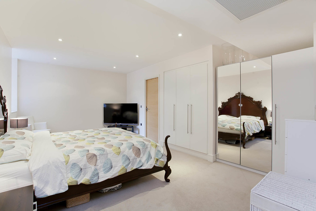 3 bed flat for sale in Cavendish House, Monck Street, London  - Property Image 5