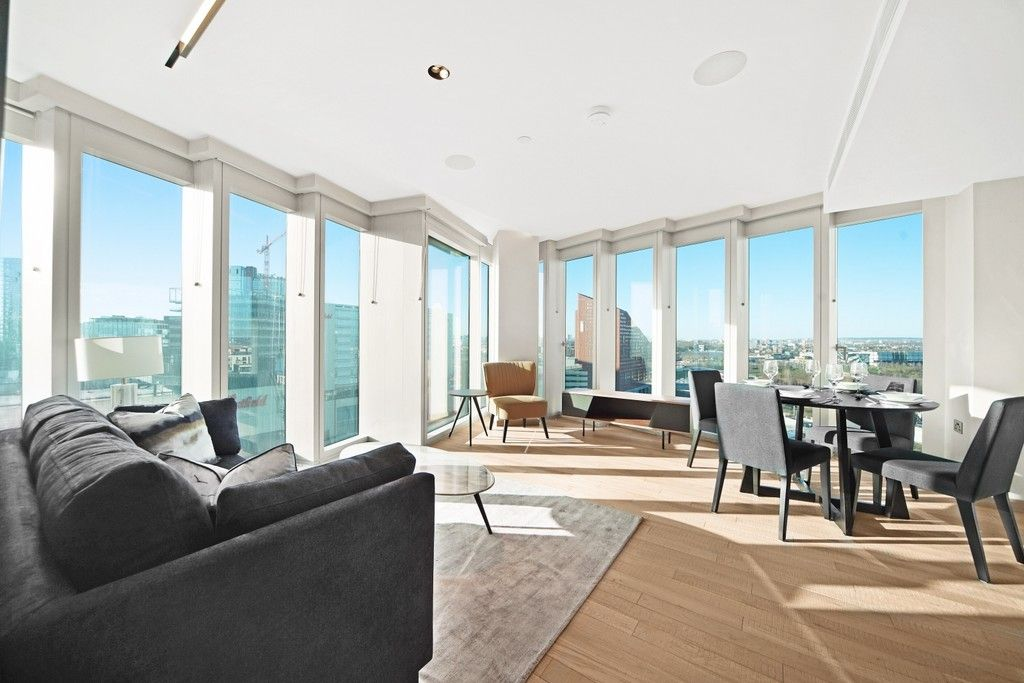 2 bed flat to rent in Manhattan Loft Gardens , E20
