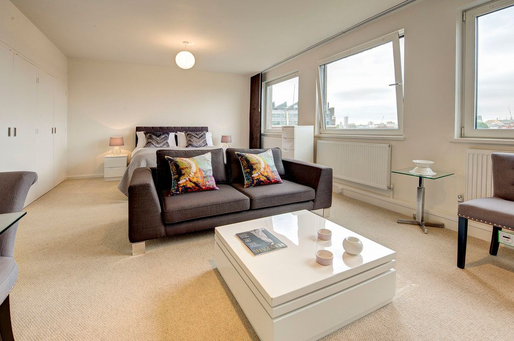 Flat to rent in Luke House 1