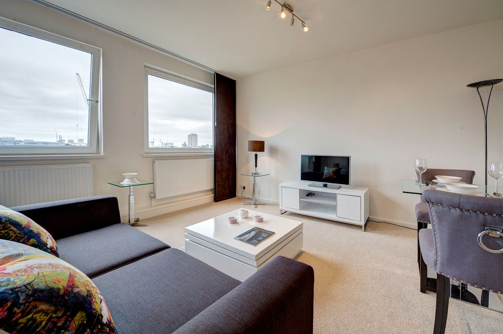 Flat to rent in Luke House 3